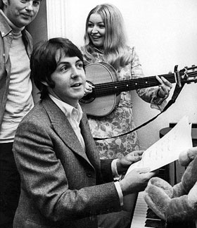 Paul-mccartney-mary-hopkin